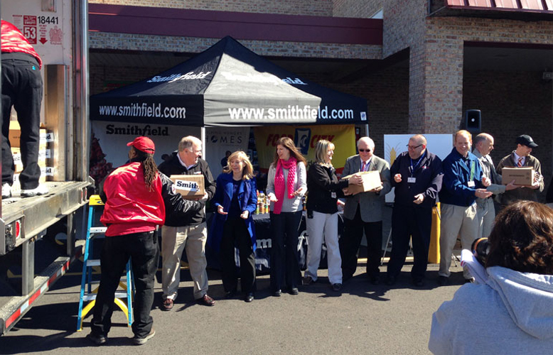 Smithfield & Food City Donate to Second Harvest Food Bank of East TN