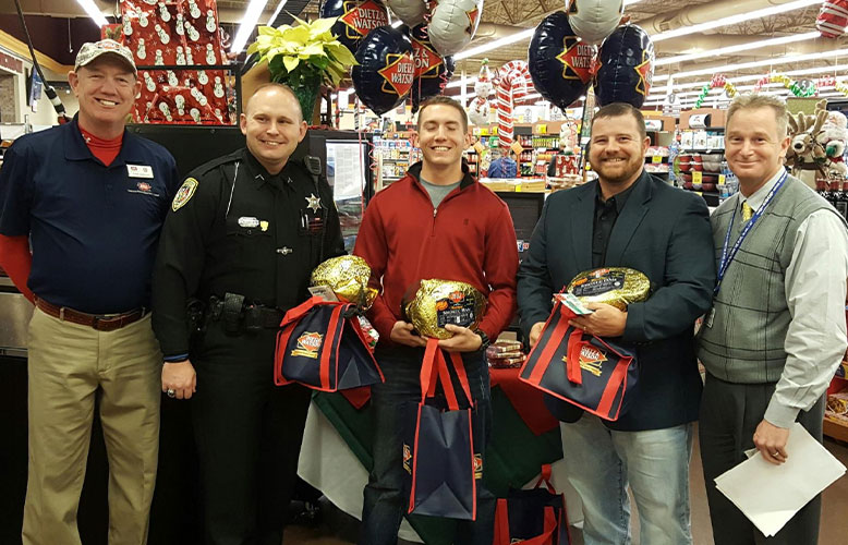 Food City, Dietz & Watson and WAEZ Host Families Helping Families Holiday Promotion