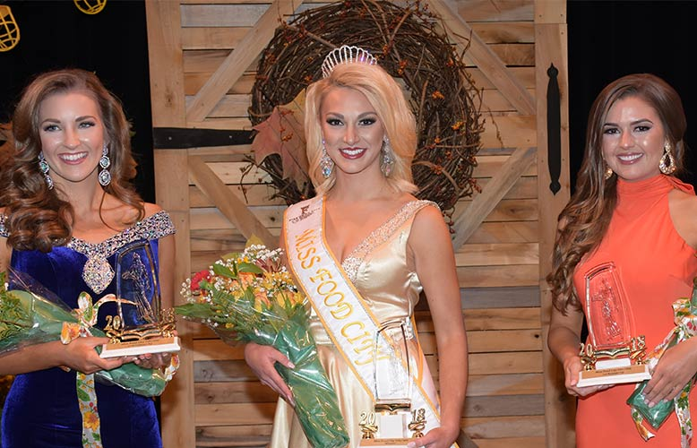 Hannah Everhart Crowned Miss Food City 2018