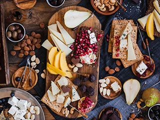 Holidays are about celebrating and enjoying time spent with loved ones, not obsessing over your food choices. Here are some tips make food decisions that don't sacrifice your nutrition and health goals.
