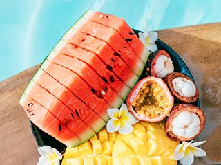 Food City has some great tips to keep your next vacation healthy and nutritious.